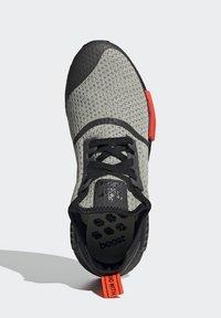 adidas Originals - NMD_R1 - Sneakers basse - halo green/core black/semi solar red - 1