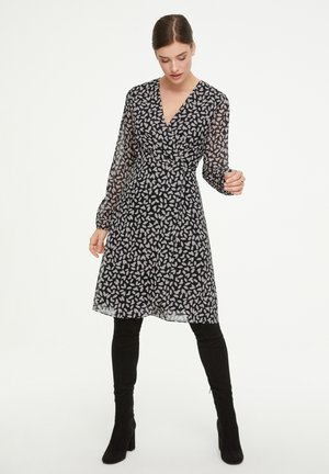 Day dress - black dot love