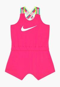 Nike Sportswear - GIRLS RAINBOW ROMPER BABY - Kombinezon - hyper pink - 0