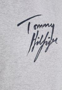Tommy Hilfiger - HOODIE - Haut de pyjama - grey heather - 2