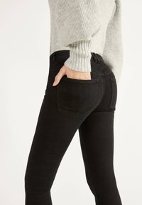 Bershka - PUSH UP - Jeans Skinny Fit - black - 3