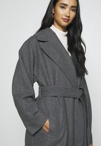 Weekday - KIA BLEND COAT - Zimní kabát - antracit melange - 6