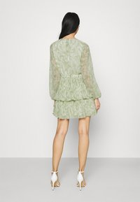 Gina Tricot - AMBER PLEATED DRESS - Day dress - green - 2