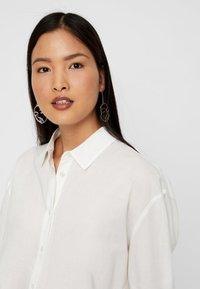 Vero Moda - Button-down blouse - snow white - 3