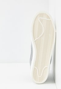 Nike Sportswear - BLAZER MID '77 UNISEX - High-top trainers - wolf grey/pure platinum/sail - 5