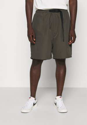 BUCKET BELT TONAL RINT - Shorts - military green
