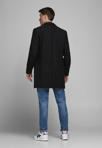 Jack & Jones PREMIUM - Klassinen takki - black - 2