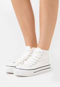 Miss Selfridge - IVER FLAT - Sneakers hoog - white - 0