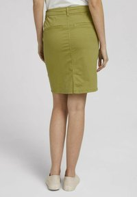 TOM TAILOR - Pencil skirt - gecko green - 2