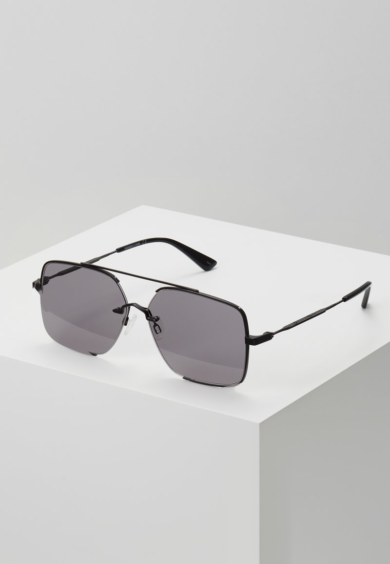 McQ Alexander McQueen - Okulary przeciwsłoneczne - black/smoke