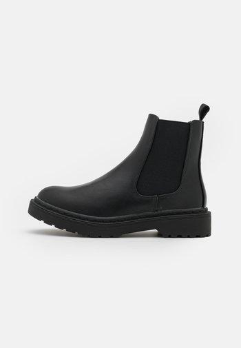 VEGAN WIDE FIT FILLIPA COMBAT GUSSET BOOT - Korte laarzen - black