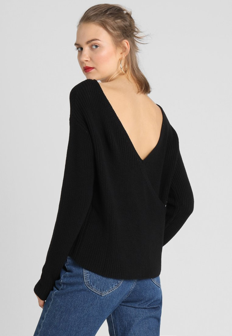 Even&Odd - BASIC- BACK DETAIL JUMPER - Sweter - black