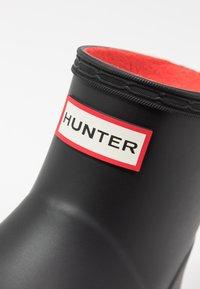 Hunter ORIGINAL - ORIGINAL INSULATED PLAY SHORT - Gummistøvler - black - 2