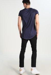 Tigha - MILO - T-shirt - bas - vintage midnight blue - 2