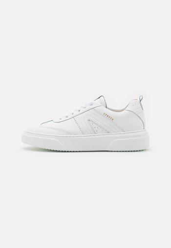 CPH103 - Trainers - white