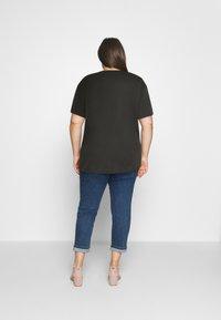 Even&Odd Curvy - HATTIE WILDFLOWERS NO RAIN TEE - T-shirts med print - anthracite - 2