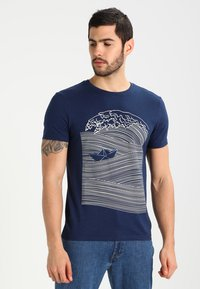 Pier One - T-shirt imprimé - dark blue/white - 0