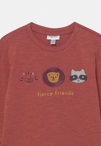 OVS - ANIMALS APPLIQUE - Camiseta de manga larga - burnt brick - 2