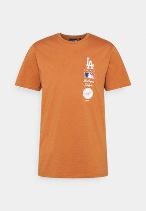 LOS ANGELES DODGERS MLB STACK LOGO TEE - Fanartikel - toffee