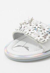 Primigi - Sandals - bianco - 2