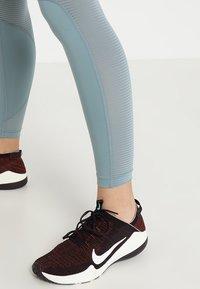 Nike Performance - AIR - Leggings - aviator grey/aviator grey/white - 3