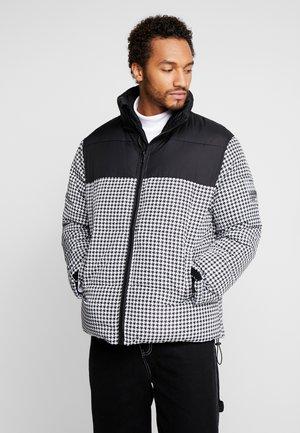 BLOCK FUNNEL PUFFER - Winter jacket - black