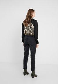 Current/Elliott - THE FLING JEAN - Jeans baggy - black out - 2