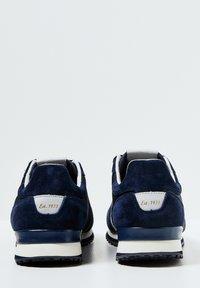 Pepe Jeans - TINKER CITY - Zapatos de vestir - azul marino - 3