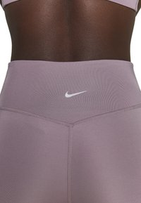 Nike Performance - RUN - Leggings - purple smoke/silver - 5