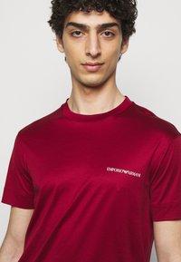 Emporio Armani - Basic T-shirt - bordeaux - 3