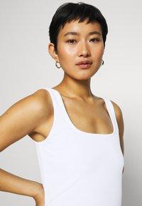 Anna Field - Top - white - 6