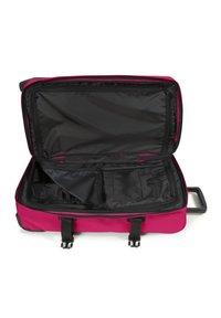 Eastpak - Wheeled suitcase - ruby pink - 2