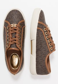 MICHAEL Michael Kors - BOERUM - Sneaker low - brown - 3
