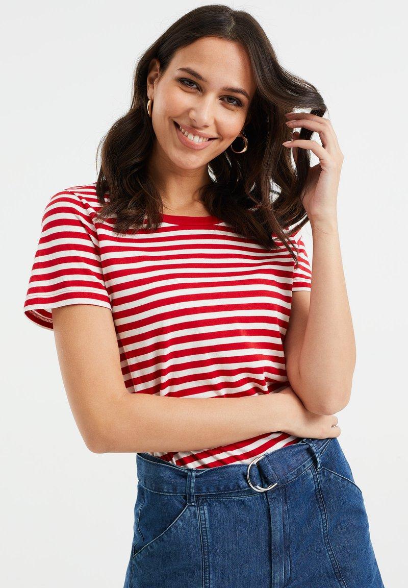 WE Fashion - Print T-shirt - bright red