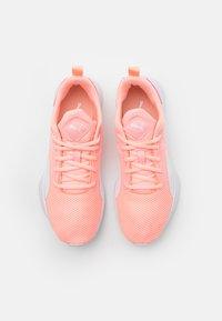 Puma - FLYER RUNNER UNISEX - Sports shoes - elektro peach/white - 3