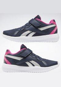Reebok - FLEXAGON ENERGY 2 ALT SHOES - Chaussures de running neutres - blue - 4