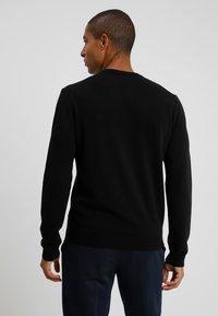 Benetton - BASIC CREWNECK - Strickpullover - black - 2