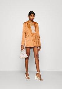 Fashion Union - TUSCANY - Shorts - apricot - 1