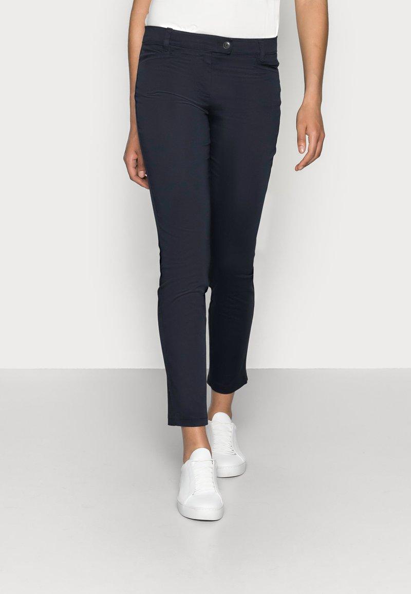 Marc O'Polo - LAXA - Spodnie materiałowe - thunder blue
