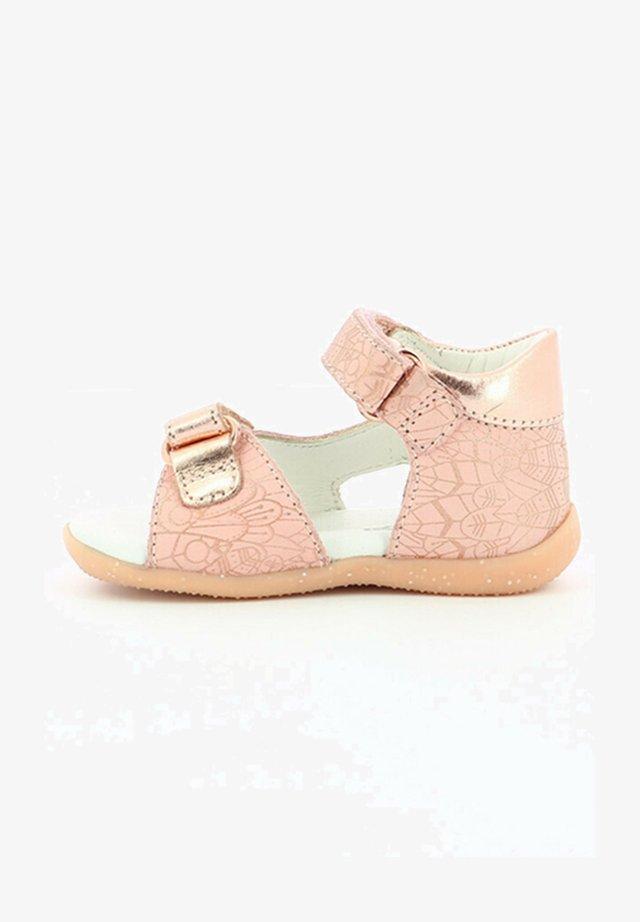 BINSIA - Sandales de randonnée - rose clair