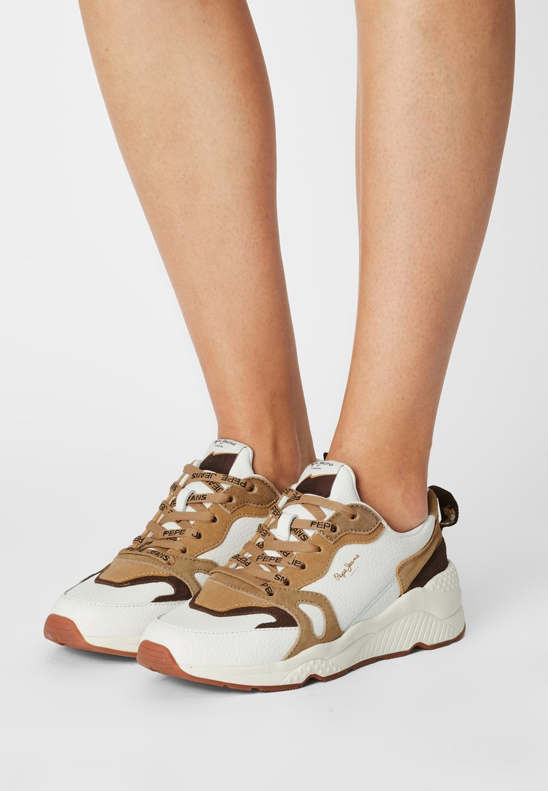 Pepe Jeans - HARLOW BASS - Trainers - white
