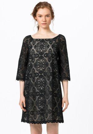 SPITZEN MIT KARREE-AUSSCHNITT - Day dress - schwarz
