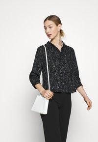 Monki - Button-down blouse - twirlsboddies - 4