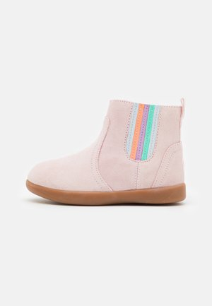 RYNDON - Classic ankle boots - seashell pink