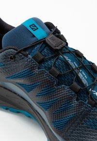 Salomon - XA DISCOVERY GTX - Trail running shoes - poseidon/black/fjord blue - 5