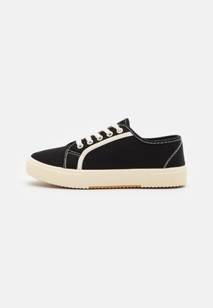 VEGAN LISA LACE UP PLIMSOLL - Sneakersy niskie - black/ecru