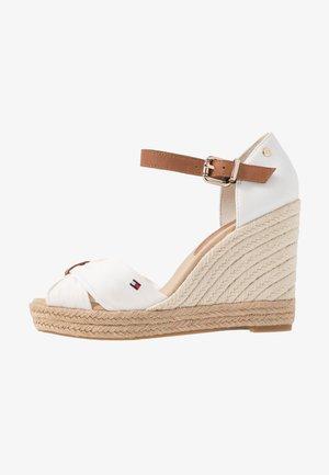 BASIC OPENED TOE HIGH WEDGE - High heeled sandals - ivory