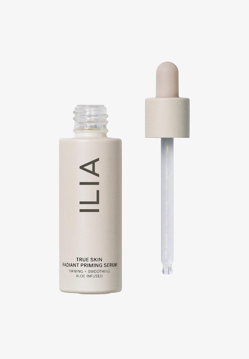 ILIA Beauty - TRUE SKIN RADIANT PRIMING SERUM - Primer - light it up