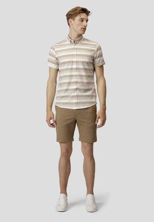 MILANO JERSEY SHORTS - Shorts - dark camel mel