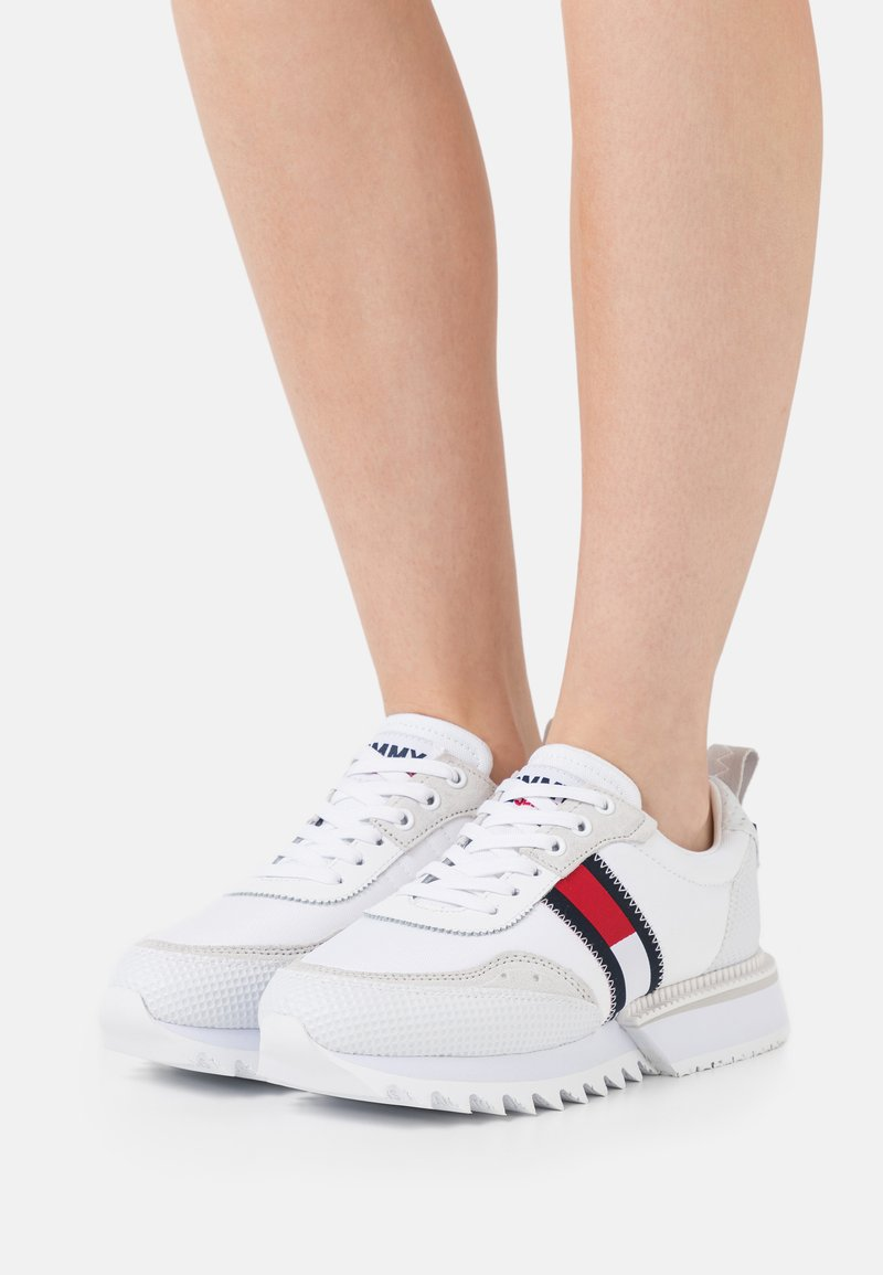 Tommy Jeans - FASHION RUNNER - Joggesko - white
